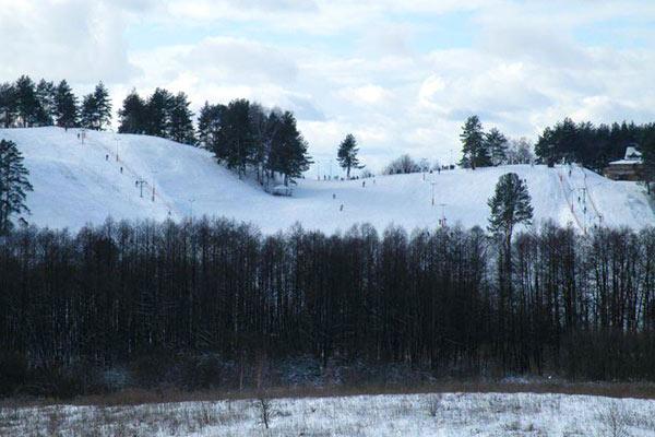 stoki narciarskie mazury gora 4 wiatrów